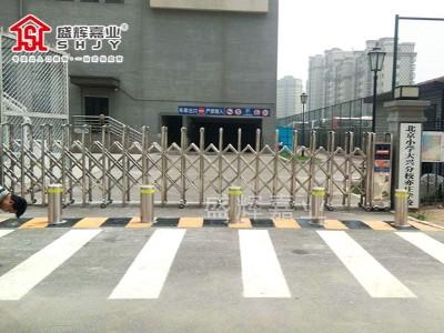 北京小学大兴分校亦庄学校升降柱投入使用